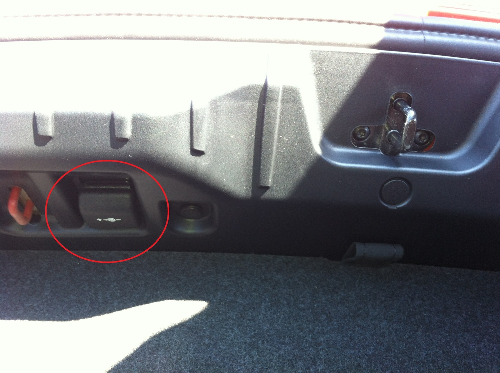 anyone retrofitted the power socket in the boot