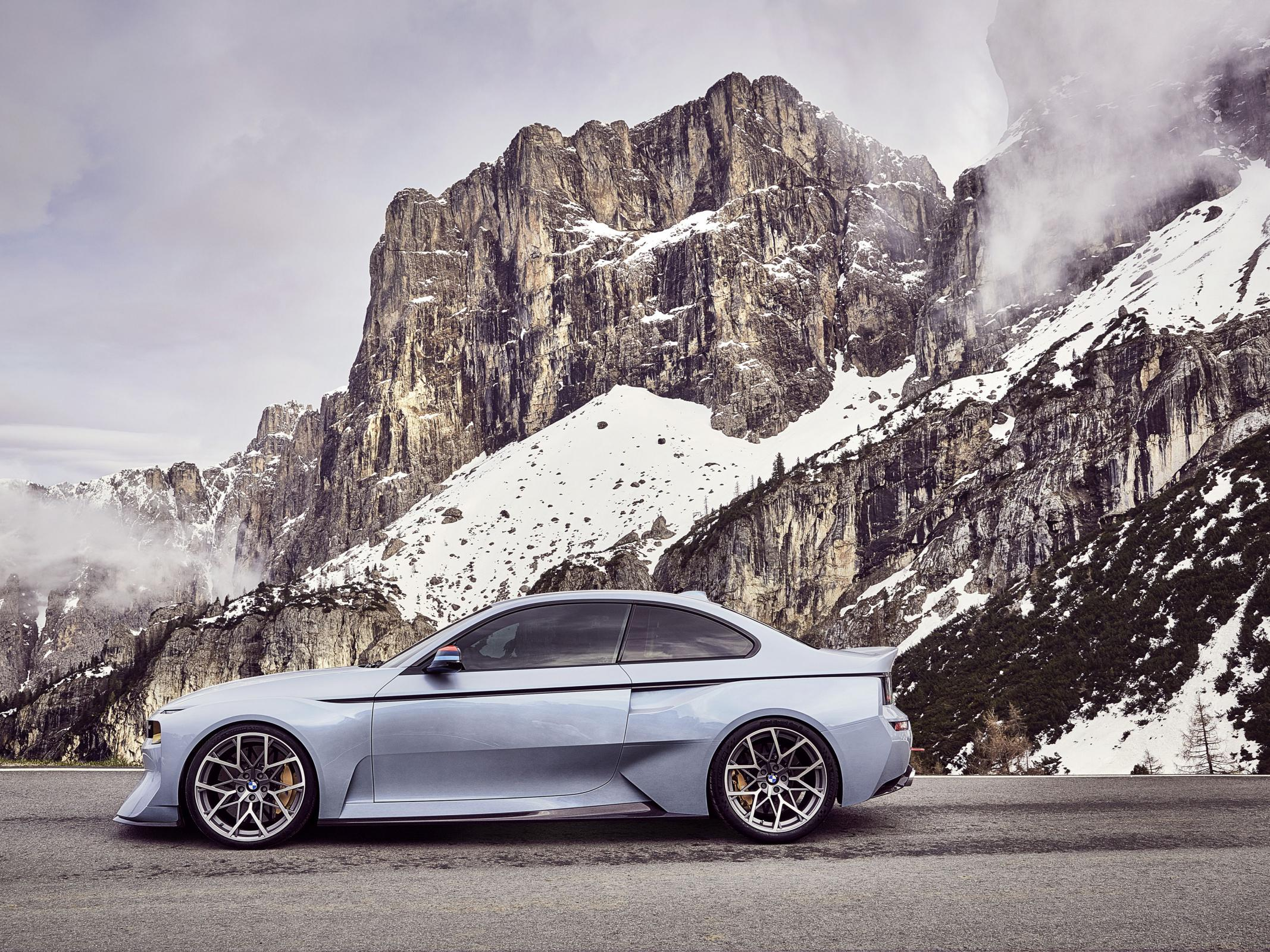 Name:  BMW_2002_Hommage_03.jpg Views: 1415 Size:  770.6 KB