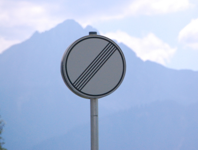 Name:  autobahn-end-of-restrictions-sign.jpg Views: 11054 Size:  83.5 KB